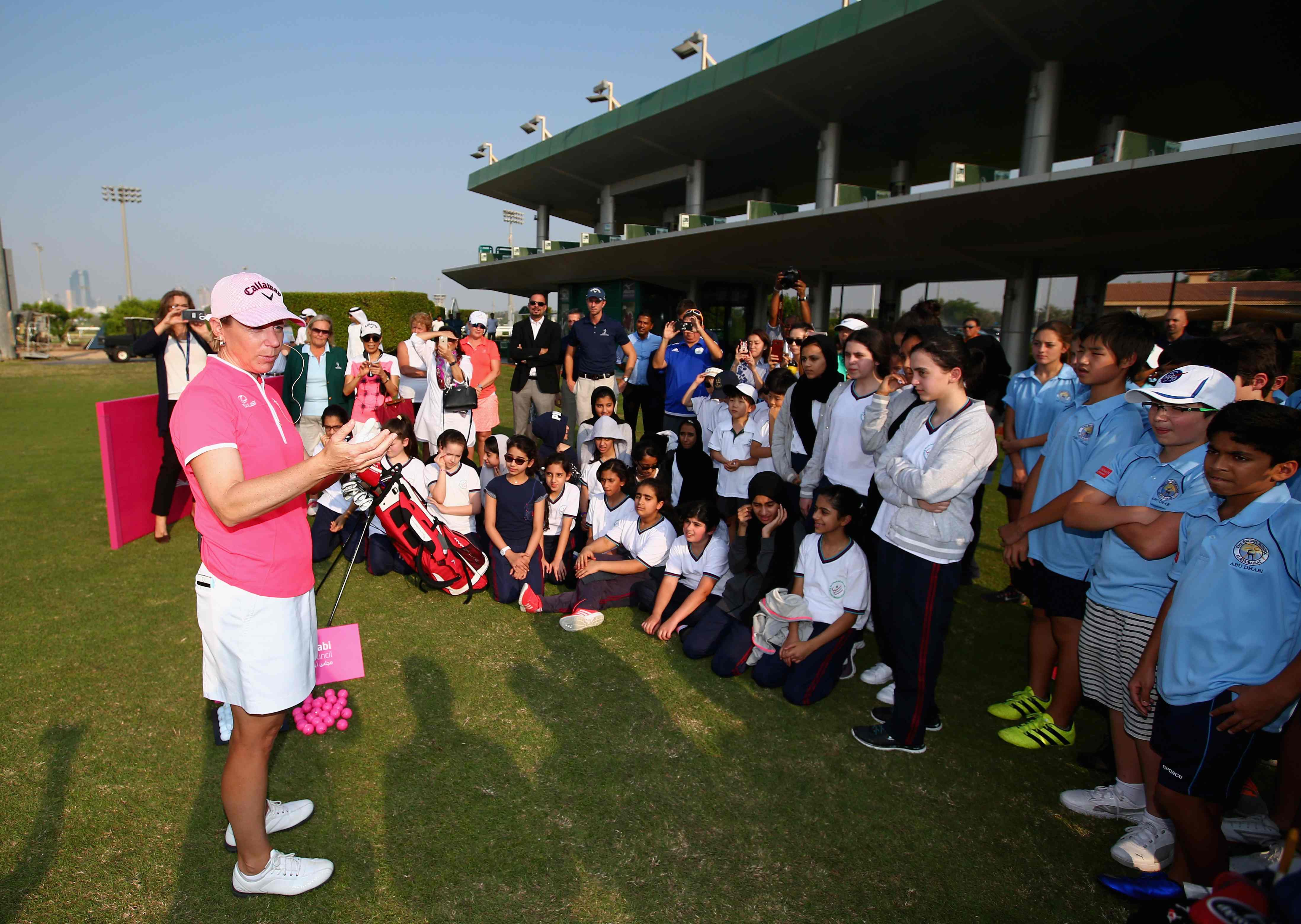 annika-inspires-the-younger-golfers-of-abu-dhabi