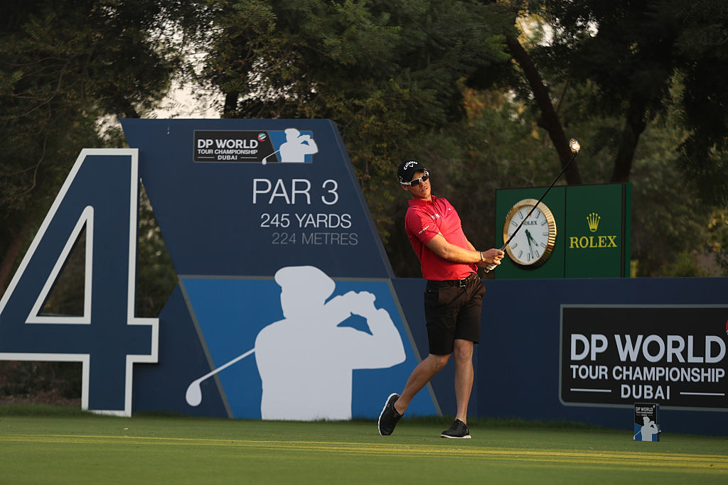 DUBAI, UNITED ARAB EMIRATES - NOVEMBER 15: Danny Willett of England tes off on the 4th hole during a pro-am round ahead of the DP World Tour Championship at Jumeirah Golf Estates on November 15, 2016 in Dubai, United Arab Emirates. (Photo by Francois Nel/Getty Images)