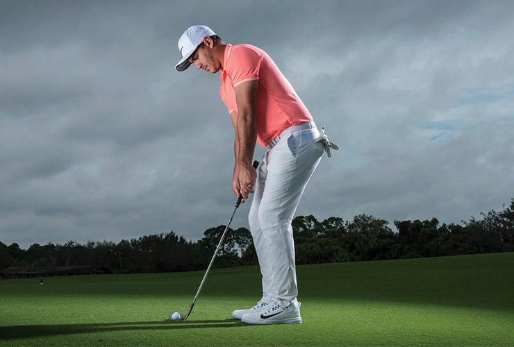 Brooks-Koepka-instruction-chipping