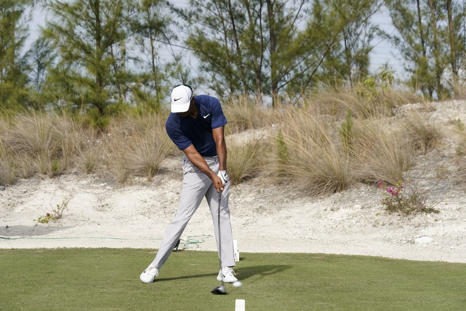 tiger-woods-face-on-impact